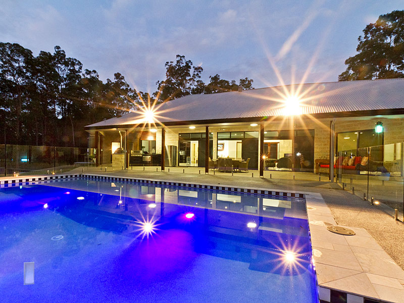 Modern style home for Wilson and Tilson at Bunya.